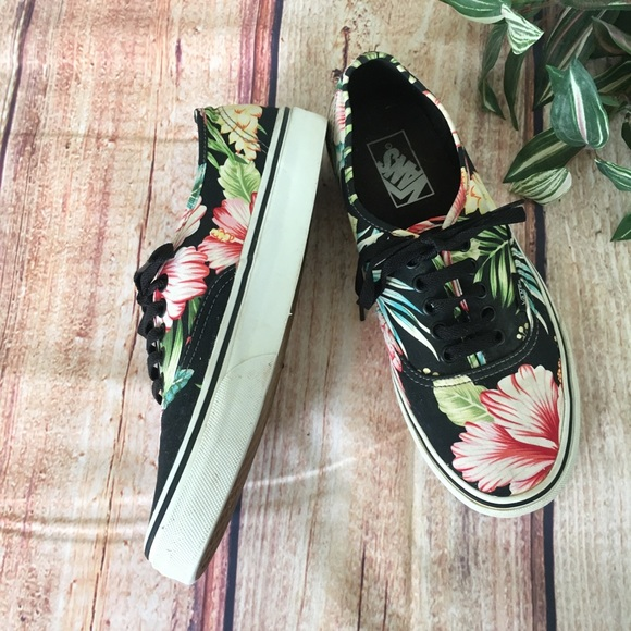 988d91d7428297 Vans Hawaiian Print Floral Sneakers Hibiscus. M 5b5de9ef04ef50294bdc029d